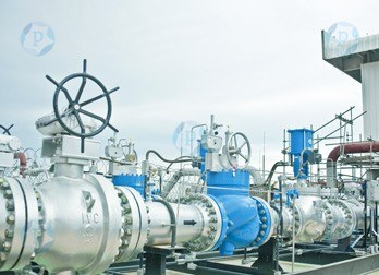 Oil and Gas - Refineries, Pipe Lines, Valve Repair, Off-Shore